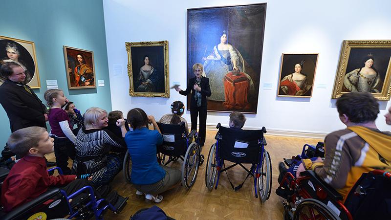 Детей-инвалидов в Москве все больше